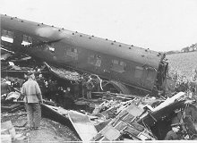 The train crash resulted in 43 deaths.  The chaos of the wreckage was so great, no-one could work out what had happened to all the carriages.  It was like 'a cross between a battlefield and a bombing raid.' | The Dacorum Heritage Trust