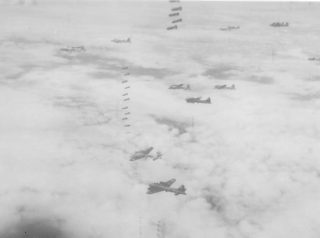 B17 Flying Fortresses on a daylight raid | The Dacorum Heritage Trust Ltd
