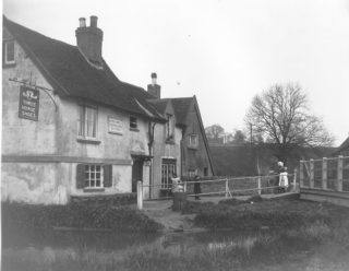 The Three Horseshoes, Winkwell circa 1916. | The Dacorum Heritage Trust