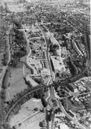 Hemel Hempstead Town Centre, in 1959, after the New Town re-development | The Dacorum Heritage Trust Ltd