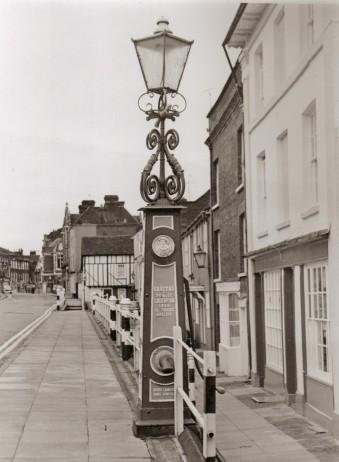 A gas lamp on High Street | Joan Hands