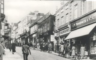 Lower High Street Hemel Hempstead, c.1949 | Hertfordshire Library Service Postacrd Series No. 2/2