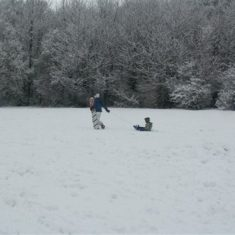 Two people in the snow at Boxmoor Golf Club 2009 | Ian Phipps