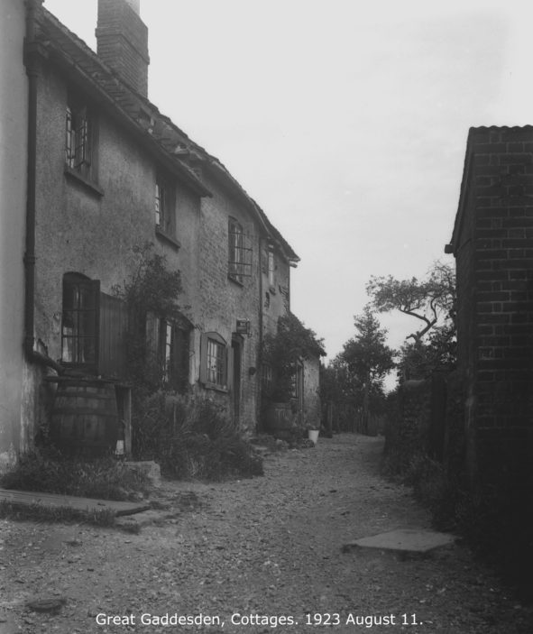 Cottages | Hertfordshire Archives and Local Studies