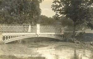 The white bridge in Gadebridge Park | Hertfordshire Archives and Local Studies