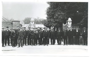 Workforce at the entrance to Boxmoor Ironworks - the gates and railings were made at the foundry | Roger and Joan Hands