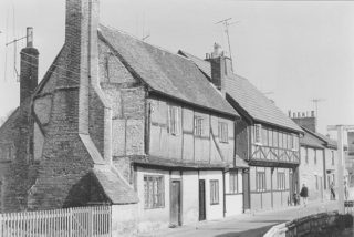 Trooper Road Aldbury, House Nos. 40 to 44. | Berkhamsted Local History and Museum Society cared for by the Dacorum Heritage Trust