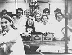 Coopers Aerosol plant: about 12 workers in white coats | Berkhamsted Local History and Museum Society cared for by The Dacorum Heritage Trust Ltd