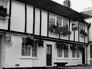 The White Hart, High Street, Hemel Hempstead | Hemel Hempstead Local History and Museum Society cared for by the Dacorum Heritage Trust Ltd