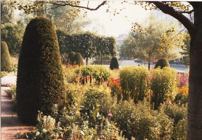 Italian Gardens | Ray Swan